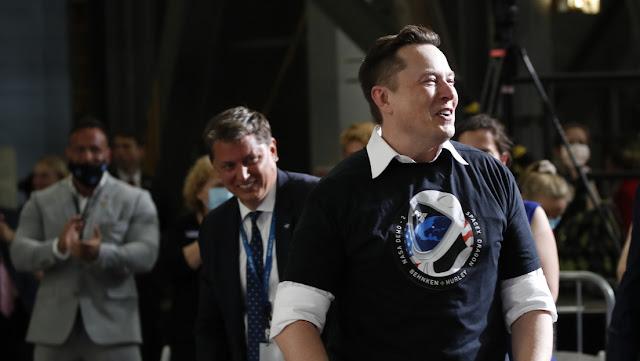 Elon Musk responde al artículo del jefe de Roscosmos sobre el lanzamiento de Crew Dragon