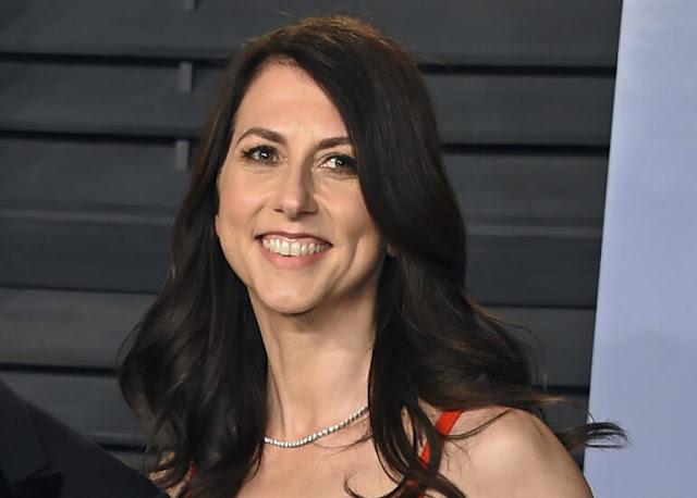 MacKenzie Scott, Wanita Terkaya di Dunia, Menghasilkan $ 4,2 Miliar Dalam Empat Bulan