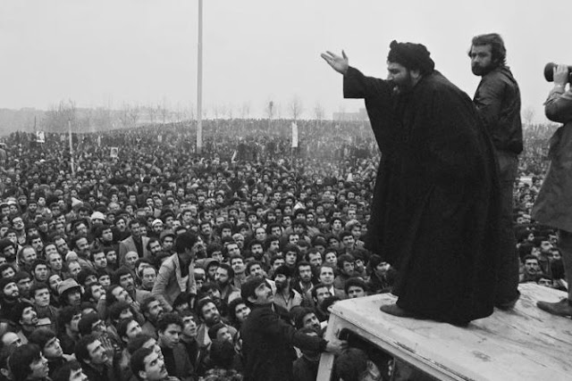 What are the causes of the Iranian revolution?