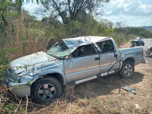 TRAGÉDIA: Elesbonense morre em acidente na PI-232 em Miguel Leão; esposa e filho estão internados