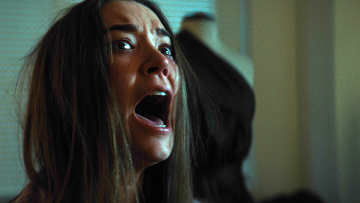 Nicole Brydon Bloom em imagem do filme '1BR', de David Marmor