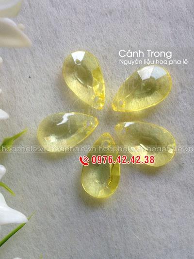 Nguyen lieu hoa pha le o Nghia Tan
