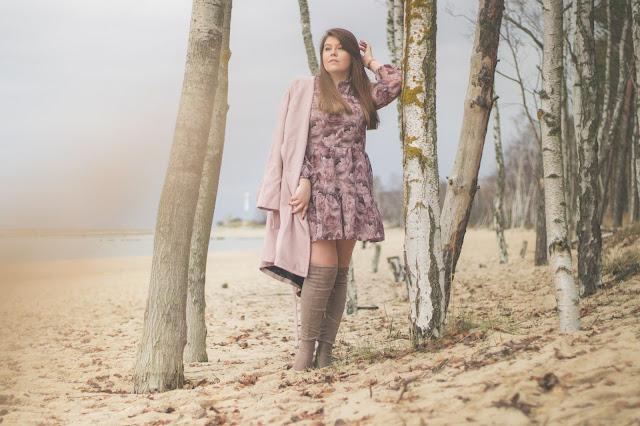 Sukienka z Falbankami w kwieciste wzory