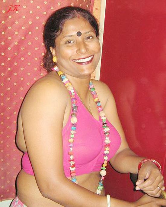 hot bhabhi bra pics