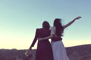 5 Cara Menyenangkan Sahabat yang Sedang Kesusahan
