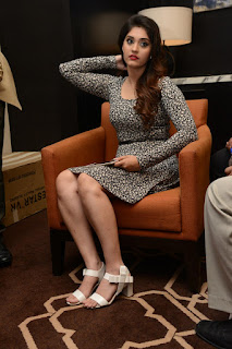 Surabhi at vivo phone launch 008