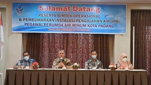 Dirum Perumda AM Kota Padang Buka Bimtek Operasional dan Pemeliharaan Instalasi Pengelolaan Air