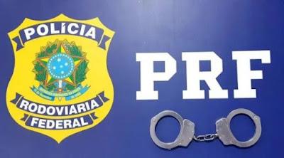 PRF/AL prende homem por crime de receptação de veículo em Canapi/AL