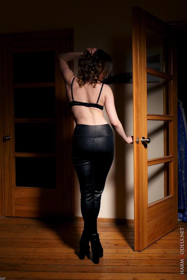 [CharmModels] Adriana - Sexy 18Yo Girl On The Door