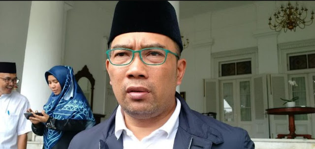 Pose 1 Jari Kang Emil, Kemendagri: Hari Libur Kepala Daerah Bebas Kampanye