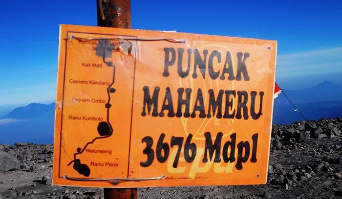 Puncak Mahameru