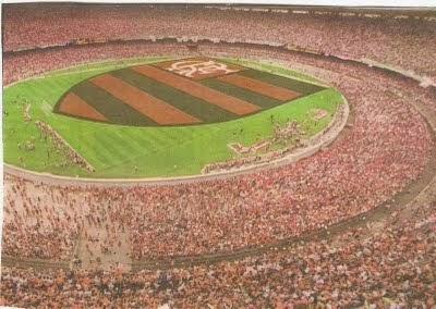 No dia 28 de outubro foi comemorado o dia do torcedor do Flamengo 4bcf25a700e7b