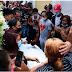 Entre música y gallos multitud sepulta a La Soga en Santiago