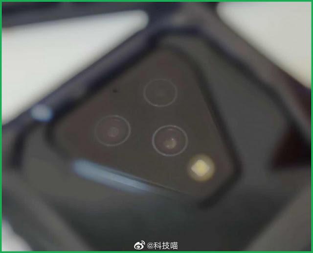كاميرا خلفية ثلاثية Xiaomi Black Shark
