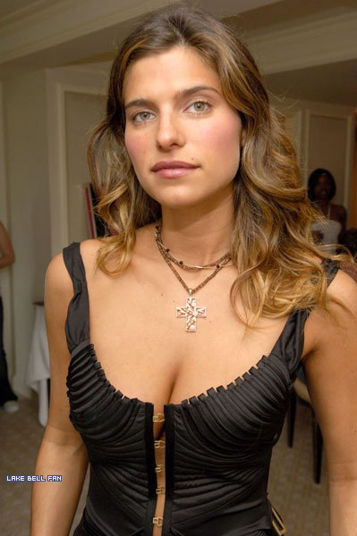 Cleavage Lake Bell naked (26 pics) Sexy, Twitter, see through