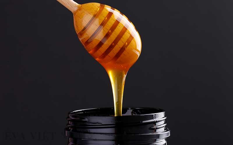 Chăm sóc da mặt sau sinh bằng mặt nạ mật ong