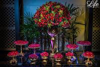 casamento estilo mini wedding com poucos convidados realizado no salão brasilia do hotel sheraton porto alegre com decoração em dourado e vermelho elegante e sofisticada