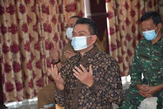 Bupati Batanghari Fadhil Arief Laksanakan Sholat Ied di Masjid Al Muwazzofin Sesuai Prokes