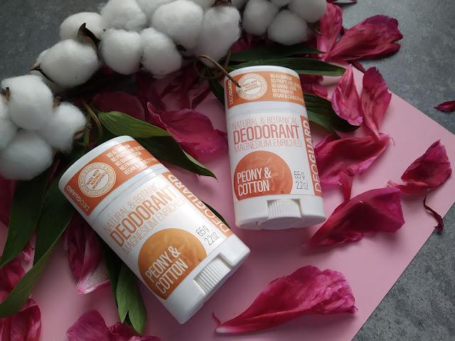 Dezodorant s vôňou pivonky a kvetu bavlny od Sportique