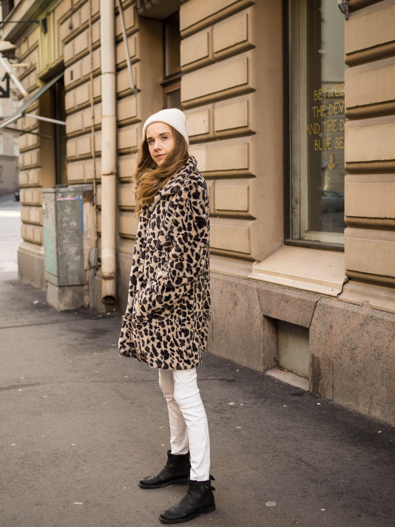 Winter outfit with leopard faux fur // Talviasu leopardiprintti tekoturkiksen kanssa