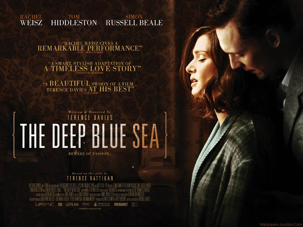 hot actress image and wallpapers deep blue sea movie
