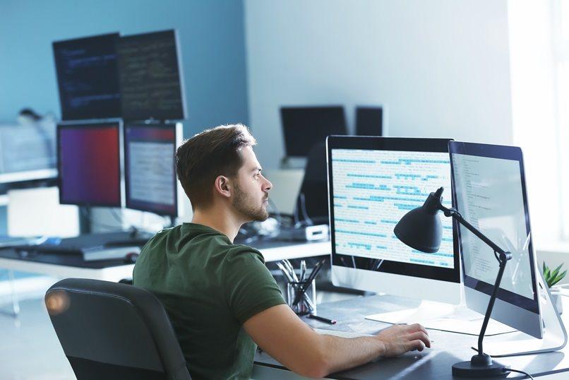 Tecnología de la información para las empresas by Adobe Stock