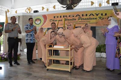 HUT Ke-19 Dharma Wanita Persatuan Kabupaten Kuningan Berlangsung Meriah