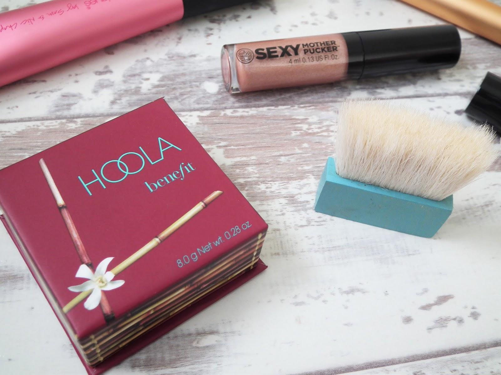 Hoola Bronzer Benefit Makeup