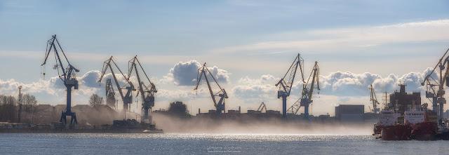 Панорама. Туман над Рекой Нева. Адмиралтейские верфи