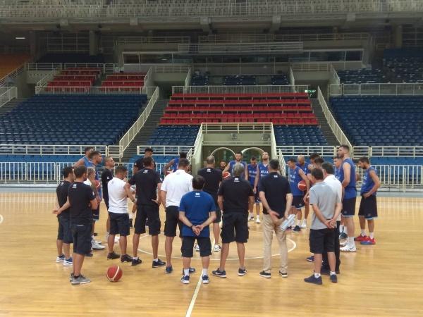 Επίσκεψη Λευτέρη Αυγενάκη στην προπόνηση της Εθνικής Ανδρών
