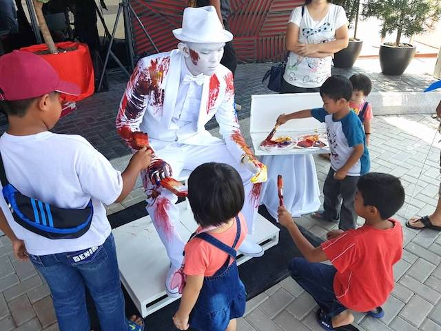 Don't miss out on painting Blanko the White Statue this weekend too!