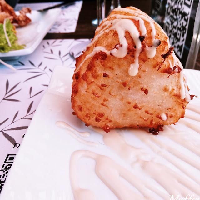 Mitani Ramen - Tempura Onigiri Salmón & Cream Cheese