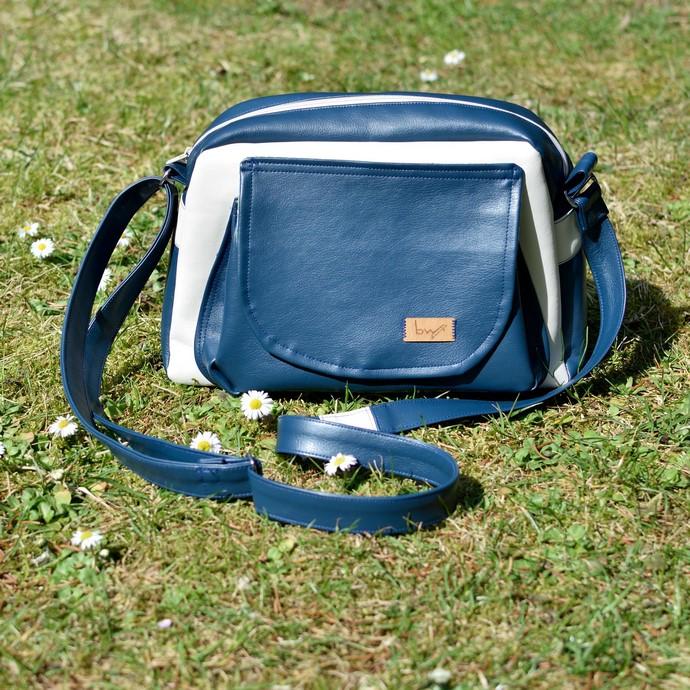 Hauptansicht meiner genähten Handtasche Alltagsheldin aus Kunstleder nach dem Schnitt von Farbenmix (Taschenspieler 4)