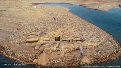 """جفاف العراق يكشف قصر """"الإمبراطورية الغامضة"""""""