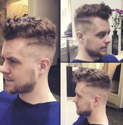 Model Rambut Keriting Atas Tipis Samping