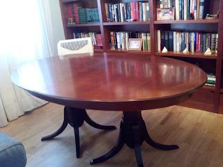 Reparación y barnizado con cambio de color de mesa comedor por Carpintero Zaragoza