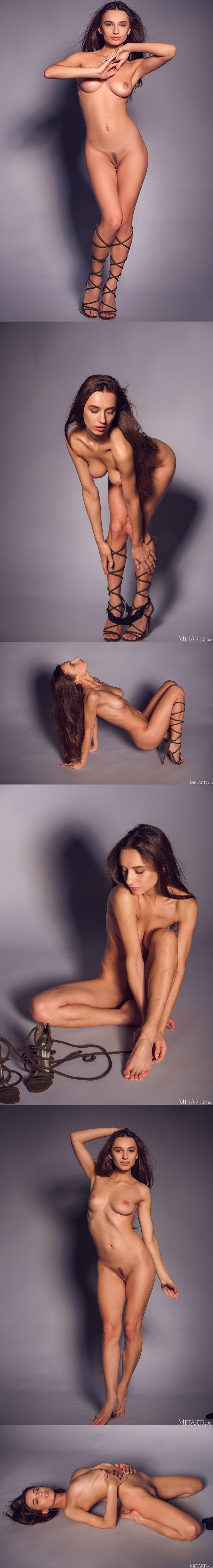 [Met-Art] Gloria Sol - Stun the Studio