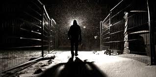Karanlığa Doğru Yürümek