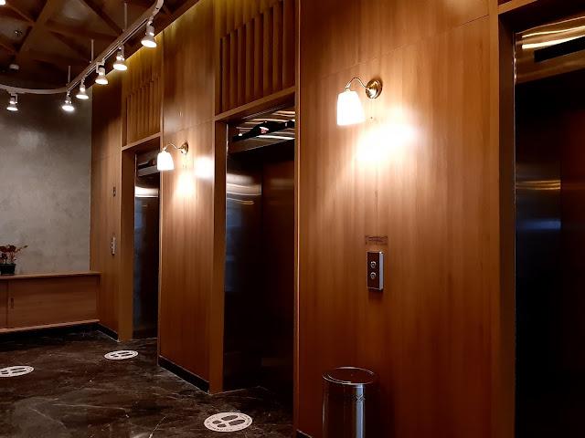 lift fika rooms tangerang 1