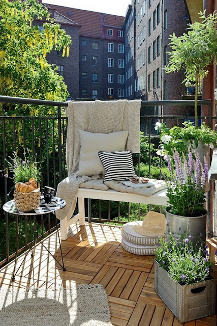 More Ideas For Decorating Balconies 11