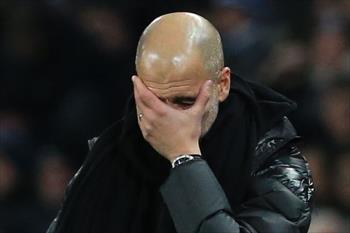 جوارديولا يعترف مانشستر سيتي لا يمكنه المنافسة بعد الآن