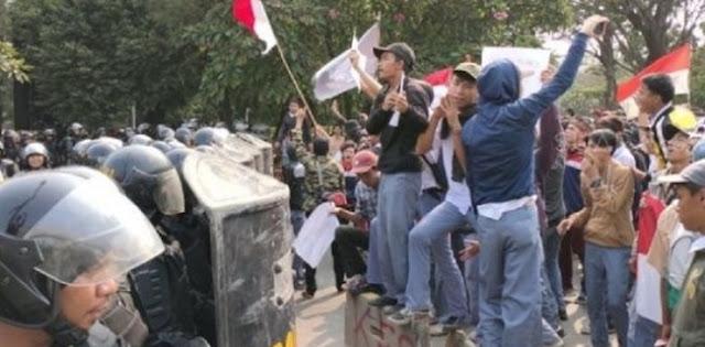 Fadli Zon: Demonstrasi Bukan Kriminal, Pelajar Ikut Unjuk Rasa Jangan Diancam!