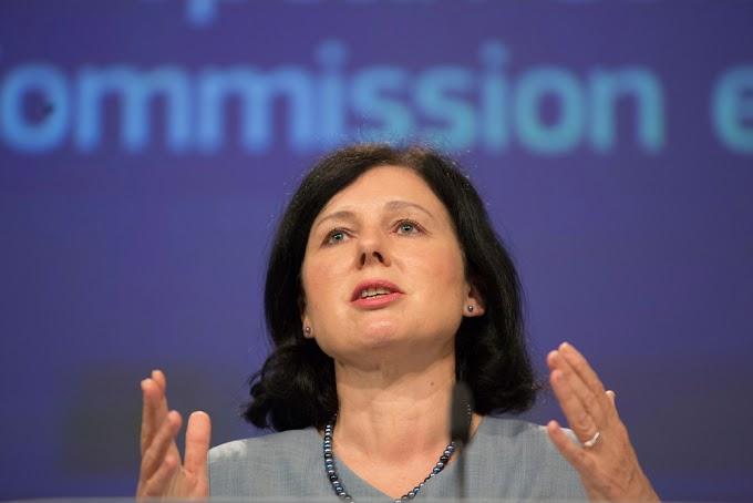Az Európai Bizottság alelnöke beavatkozna a magyar politikába?