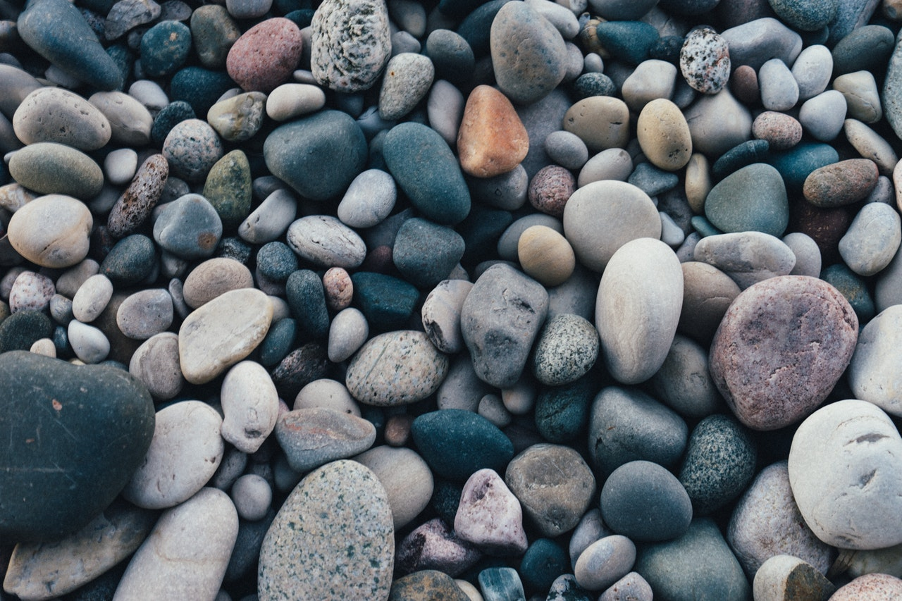 snackenglish, snack, pebbles, stones, piedras, piedrecitas