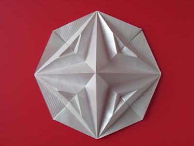 Origami Stella in ottagono 2, variante - Octagonal Star, variant a, by Francesco Guarnieri