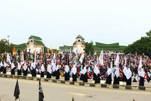 ALLAHUAKBAR..!!! Ribuan lebih Panji Rasulullah SAW Berkibar di Kota Kendari