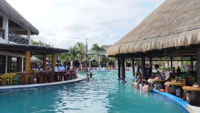 Kreuzfahrthafen Costa Maya - Pool
