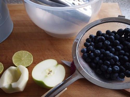 neues von der insel blaubeer apfel marmelade ohne gelierzucker. Black Bedroom Furniture Sets. Home Design Ideas