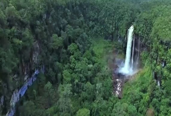 3. Air Terjun Nokan Nayan