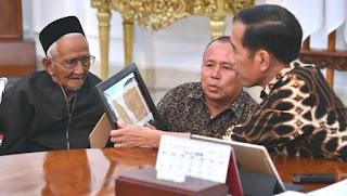 Penyumbang harta asal Aceh untu beli pesawat R - 001 dan R-002 jumpai Jokowi